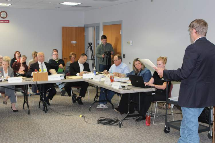 Vision Fund Citizens Committee hears presentations
